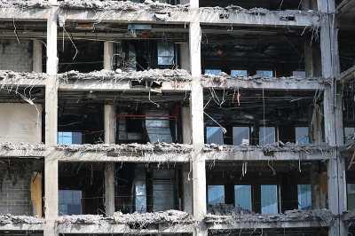 wyburzanie domu, prace ziemne, rozbiórek