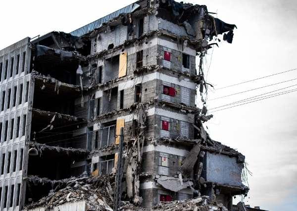 wyburzenia, rozbiórki obiektów